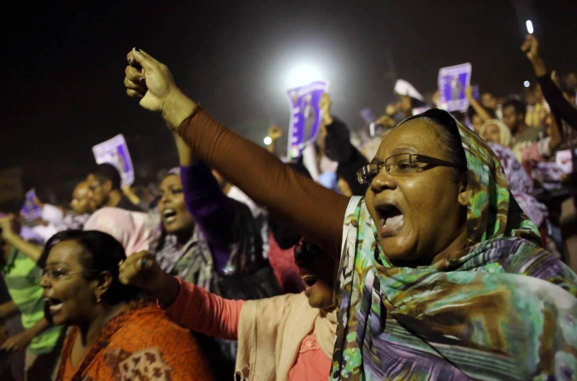 8c9236696-131001-sudan-protest-hmed-11a.nbcnews-ux-2880-1000